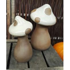 Paddehat, Sandfarvet keramik.